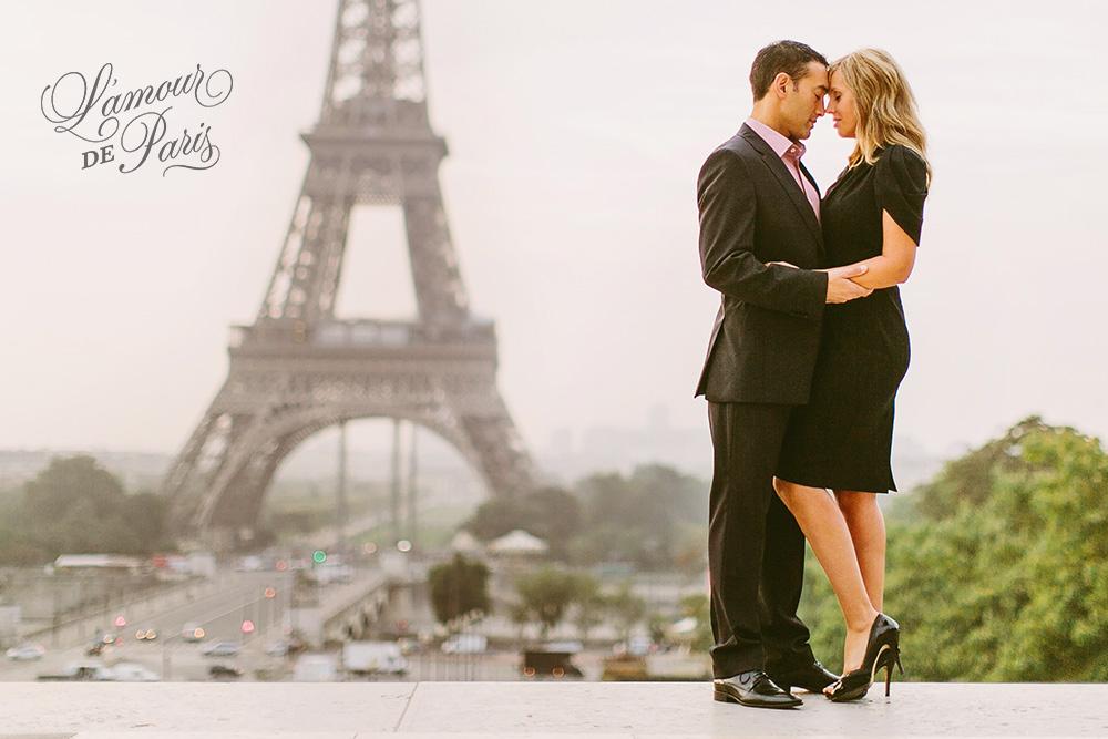 Eiffel Tower portrait photo session in Paris