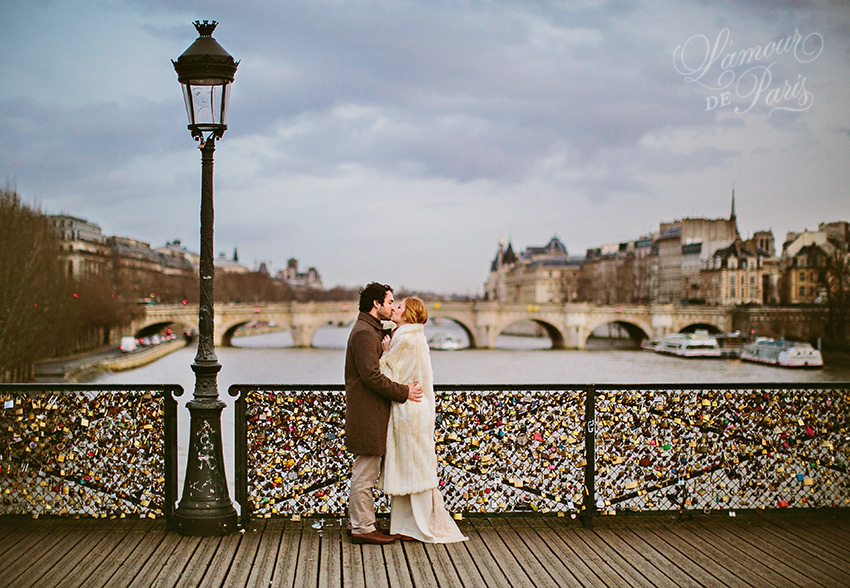 Love locks on the pont des arts l 39 amour de paris for Locks on the bridge in paris