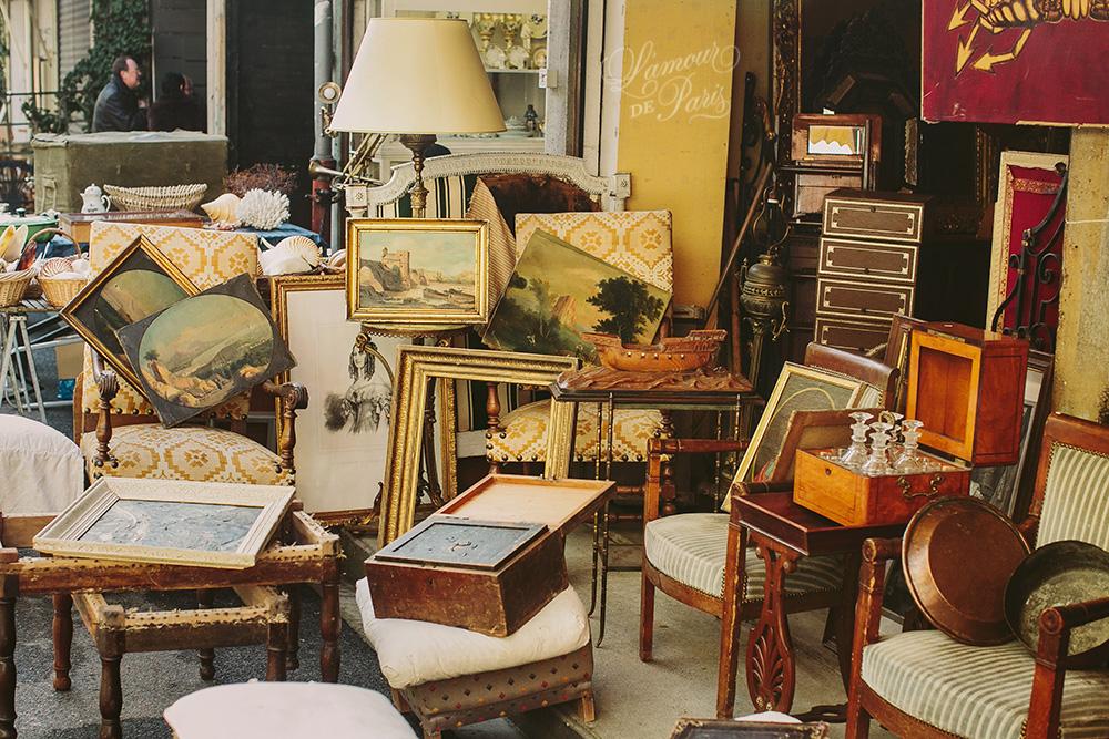 march aux puces de saint ouen l 39 amour de paris romantic parisian portraits in the city of love. Black Bedroom Furniture Sets. Home Design Ideas