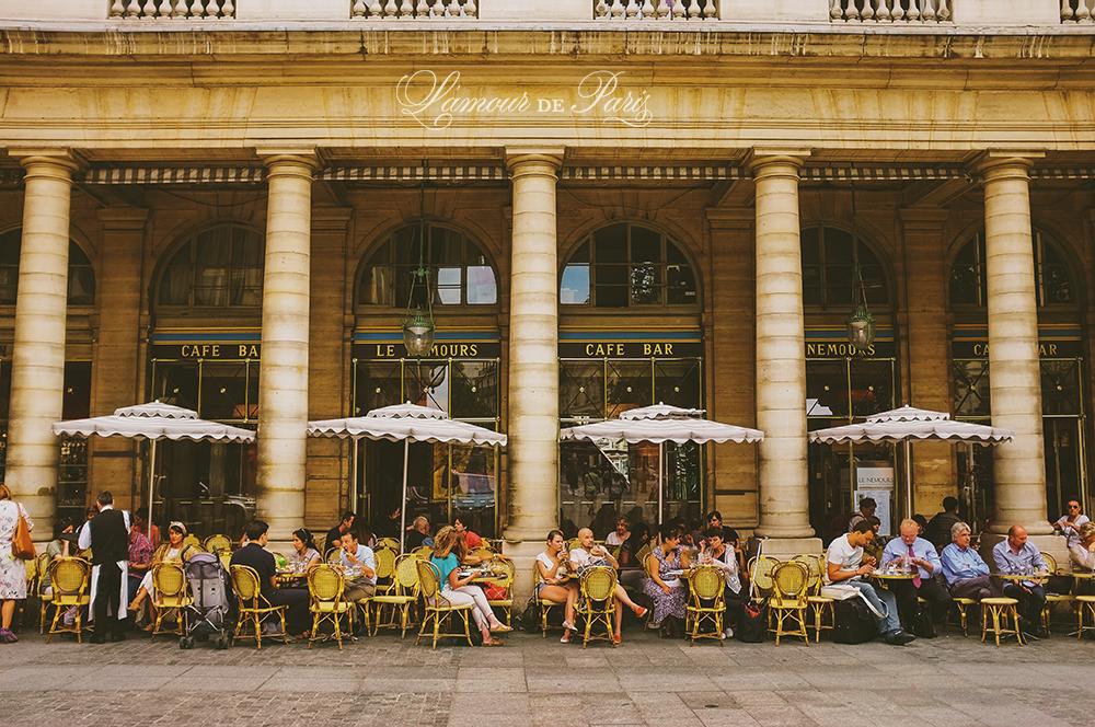 Paris cafe Le Nemours