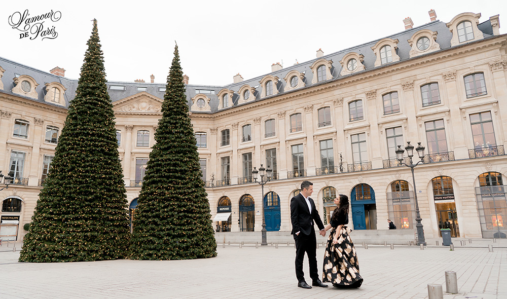 paris engagement photos place vendome 01