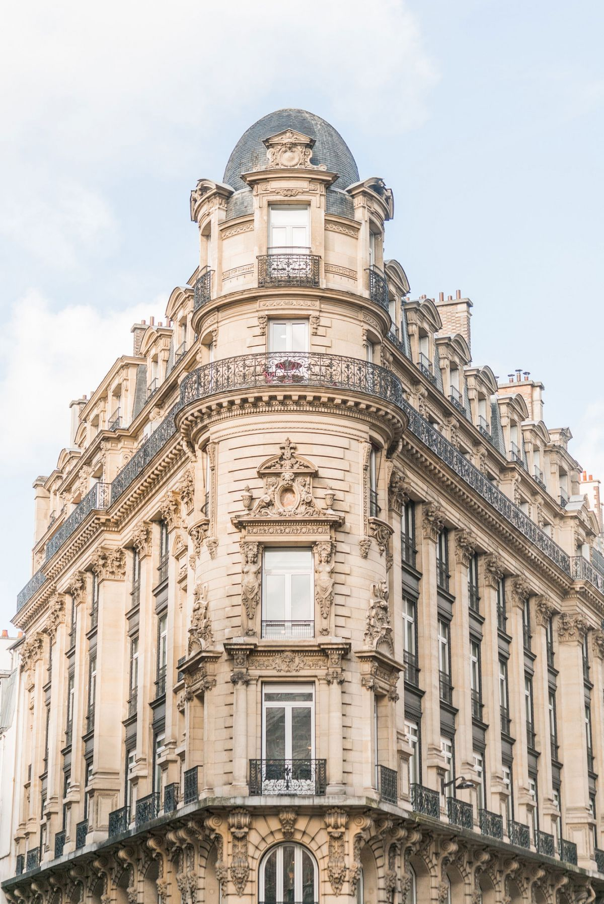 gorgeous paris building