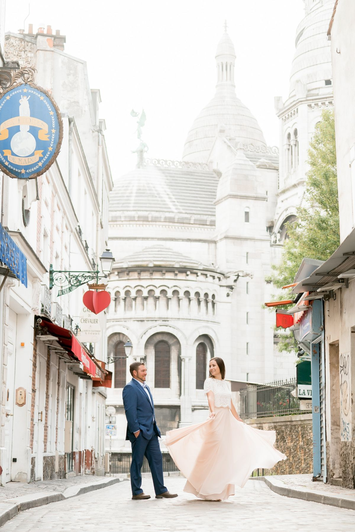 Romantic Paris Portraits in Montmartre