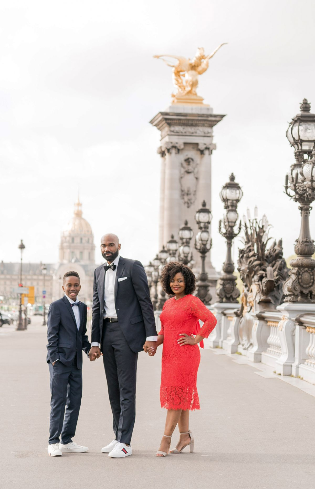Paris family photos on pont alexandre III bridge