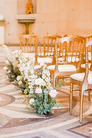 paris wedding flowers at chapelle expiatoire