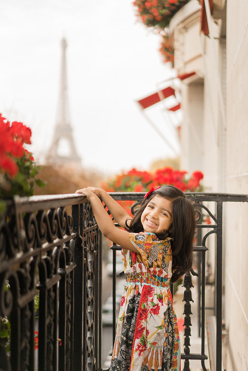 plaza-athenee-paris-balcony 2