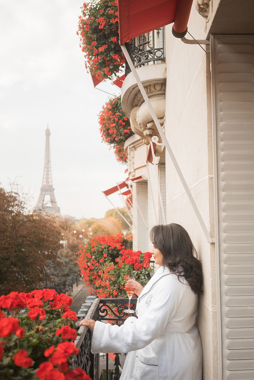 plaza-athenee-paris-balcony